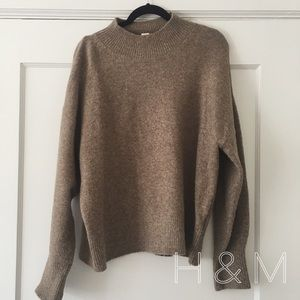 NWOT // H&M // brown sweater